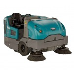 Tennant S30 Mid-sized Ride-on Sweeper